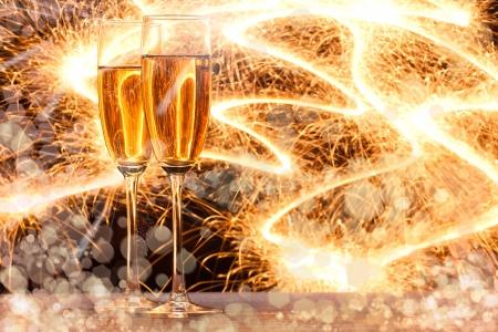 brindis champan: Par copa de champ�n Foto de archivo