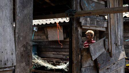 Old Moken in Moken Village at Ko Lao Island Ranong Province Thailand Stockfoto - 137009385
