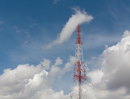 Antenna with sky Фото со стока - 64506616