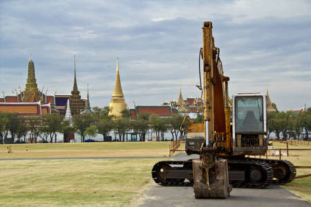 thai temple, wat pra kaew with tractor