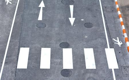 crosswalk: Paso de peatones en la carretera - Vista superior