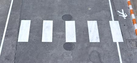 paso peatonal: Paso de peatones en la carretera - Vista superior