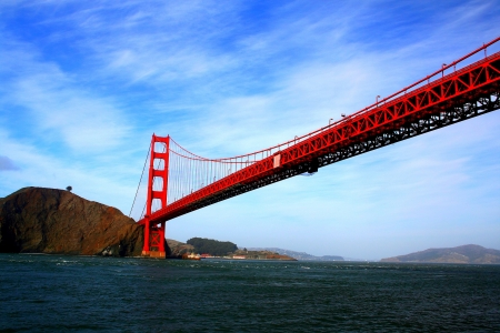 San Francisco bridge on blue-sky background Stock Photo - 15442724