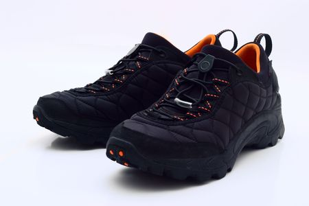 mud and snow: Mens winter shoes on white background