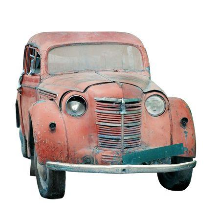 coche antiguo: Rusty autom�vil viejo aisladas Foto de archivo