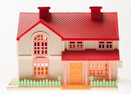 puppenhaus: Dollhouse Nahaufnahme auf einem hellen Hintergrund Lizenzfreie Bilder