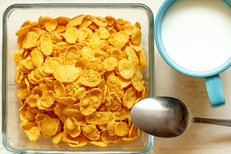 viands: heap of cornflakes on plate