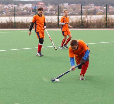 hockey cesped: Russian youth championship 2015 field hockey. October 5, 2015. Team of Ekaterinburg vs team of Rostov region