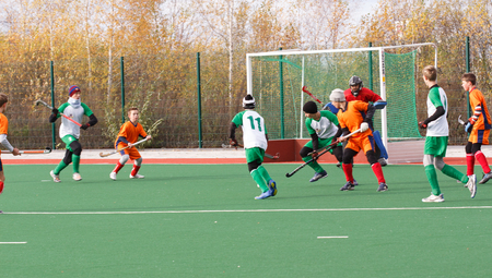 hockey cesped: Campeonato de la juventud rusa 2015 de hockey sobre césped. 5 de octubre de 2015. Equipo de Ekaterinburg contra las personas de la región de Rostov