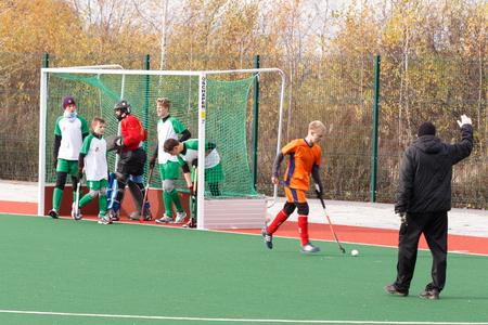hockey sobre cesped: Campeonato de la juventud rusa 2015 de hockey sobre césped. 5 de octubre de 2015. Equipo de Ekaterinburg contra las personas de la región de Rostov