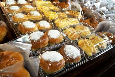 Brood in pak klaar voor verkoop Stockfoto