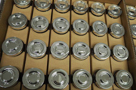 chromium: Chromium and silver cap for glass bottle