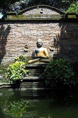beautyful: Statue of Buddha very beautyful
