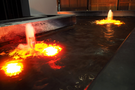 The Light in the small fountain look so good Imagens