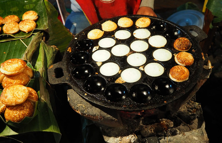 Thai coconut pancakes is so sweet and yummy Banque d'images
