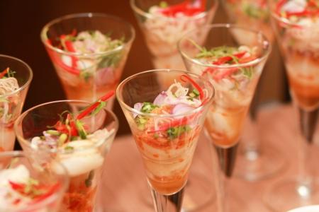 buffet: Decoraties voedsel voor de ceremonie in het hotel.