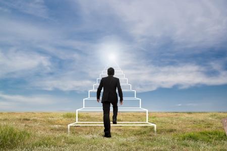 escalera: Concepto de negocio. Escaleras al �xito. Foto de archivo