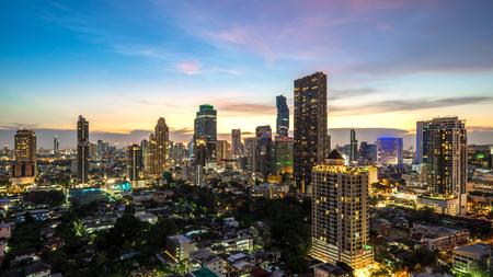 バンコク市 - バンコク市の街の空中写真街夜の都市のスカイライン、風景タイ