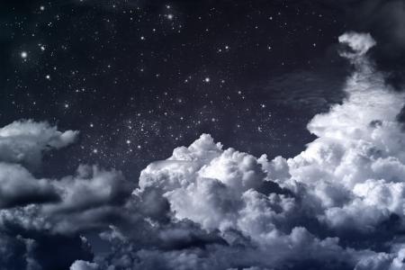 constellations: ciel nuageux avec des ?toiles Banque d'images