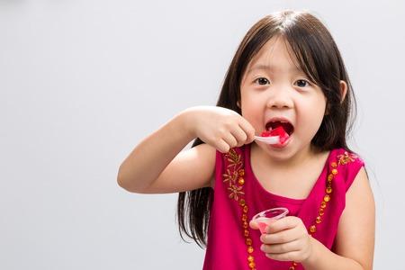 gelatina: Niño que come Gelatina Antecedentes