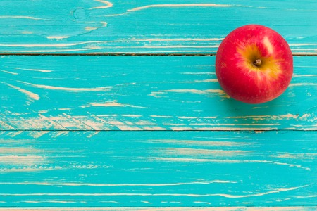 Apple on Vintage Wooden Background Foto de archivo