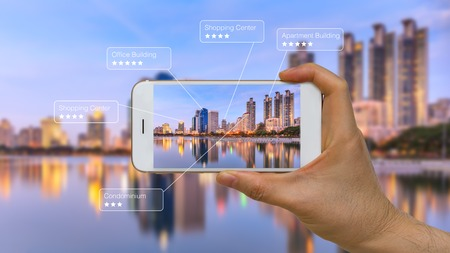 Augmented Reality of AR App op Smart Device Screen Stockfoto
