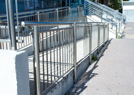 guard rail: Stainless steel handrails are installed on the walls and steps.
