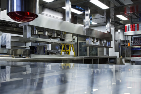 Professional kitchen, view counter in stainless steel . Stockfoto