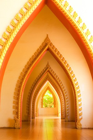 Arc in Buddhist temple, Kanjanaburi, Thailand. Stock Photo - 4385260
