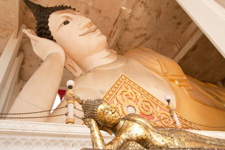 The two reclining Buddha images Stock Photo - 4534423