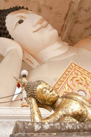 The two reclining Buddha images Stock Photo - 4534422