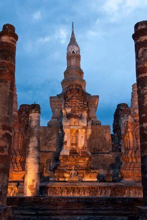 ruination: Twilight at Sukhothai historical park, former capital city of Thailand Stock Photo