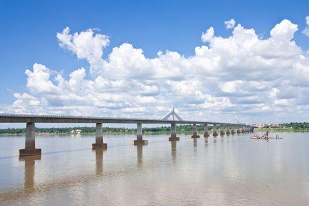 lao: 2�me Thai - Pont de l'amiti� Lao � Mukdahan province, la Tha�lande Banque d'images