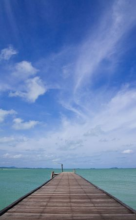 cloud drift: Jetty and scenic view of Lam Ya National Park, Thailand Stock Photo