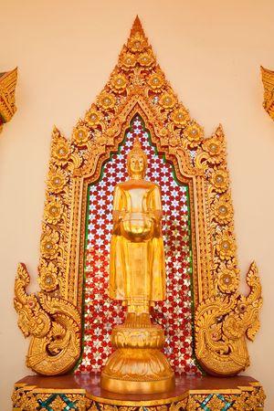 buddha image: Permanente imagen de Buda Foto de archivo