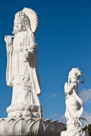 Chinese god statue photo