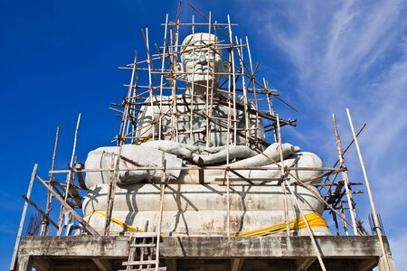 veneration: Construction of famoue monk statue in Thailand