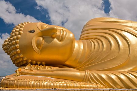reclining: Reclining Buddha image