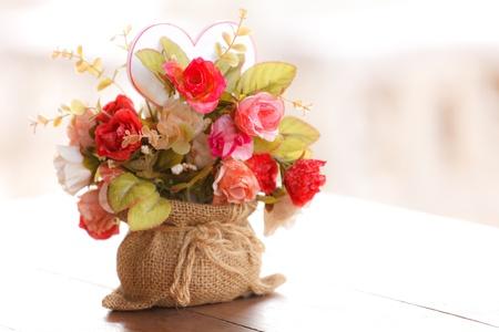 Bunte künstliche Blumen aus Stoff Standard-Bild - 13803503