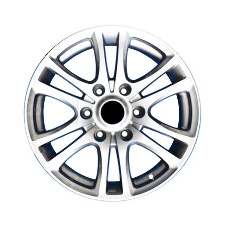 aluminum wheels: Llantas de aleaci�n con trazado de recorte aislado sobre fondo blanco