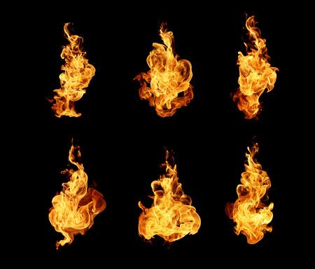 火災炎黒の背景に分離されたコレクション