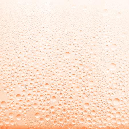 gocce di acqua: Gocce d'acqua sul fondo di vetro trasparente