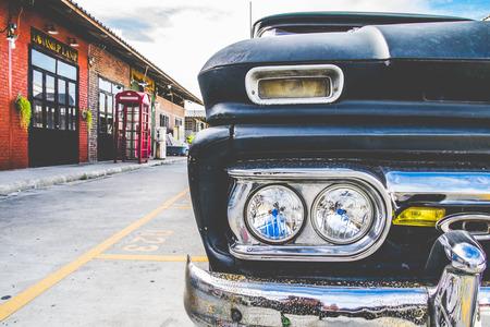 aging american: Vintage Car