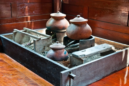 cucina antica: Thai vecchio stile cucina con pentola di creta