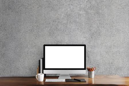planta de cafe: ordenador pantalla en negro en la mesa, lugar de trabajo