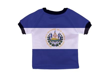 bandera de el salvador: Camisa peque�as con El Salvador bandera aislado sobre fondo blanco