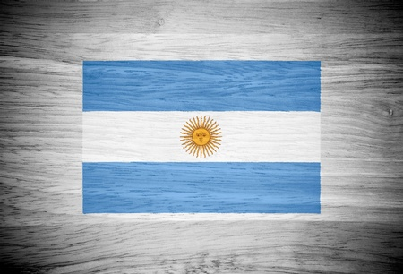 bandera argentina: Bandera de Argentina en la textura de la madera Foto de archivo