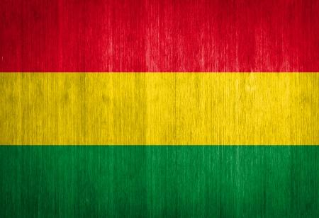 bandera de bolivia: Bandera de Bolivia en el fondo de madera