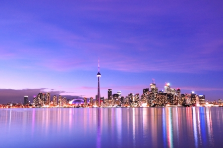 Toronto Skyline at Night Stock Photo - 22905376