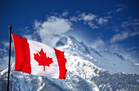 캐나다 국기와 아름 다운 산 풍경